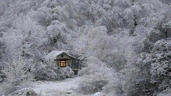 hutte-dans-la-neige
