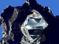 250px-Rough_diamond
