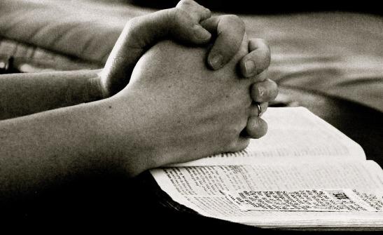 pray-664786_960_720