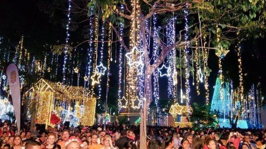 Parques-capital-iluminan-espiritu-navideno_13622187